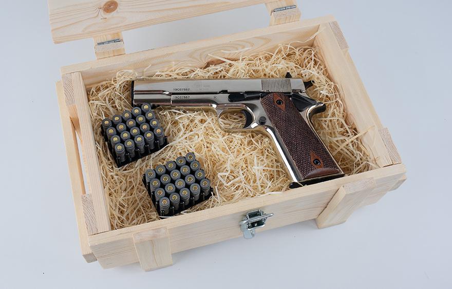 Охолощенный хромированный пистолет Кольт 1911 в подарок
