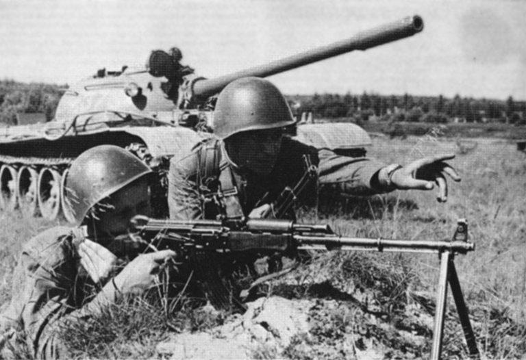 Солдат вооруженный РПК (фото из открытых источников)